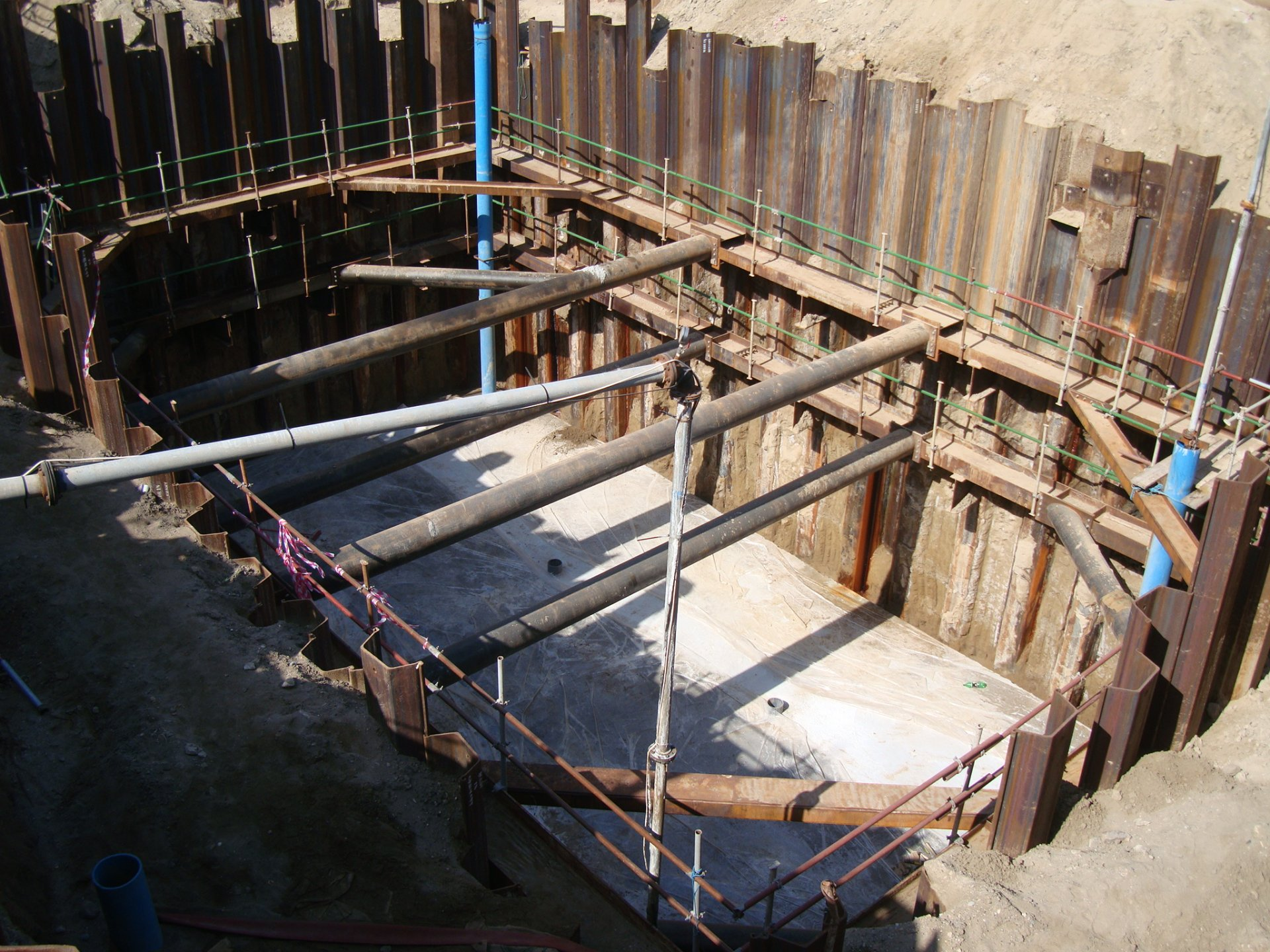 Sheet Piles Vl 606 Muscat Oman Meever Middle East